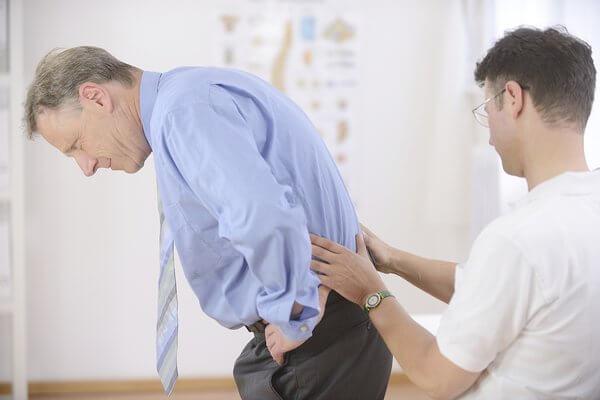 Vẫn chưa có phương pháp chữa trị dứt điểm bệnh viêm cột sống dính khớp