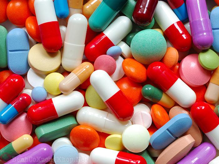 Thuốc Tây Y điều trị bệnh viêm đau khớp vai