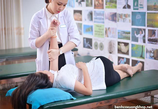 Chăm sóc bệnh nhân thoát vị đĩa đệm cột sốt thắt lưng