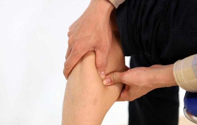 Dấu hiệu đau chân có thể cảnh báo nhiều bệnh xương khớp nguy hiểm