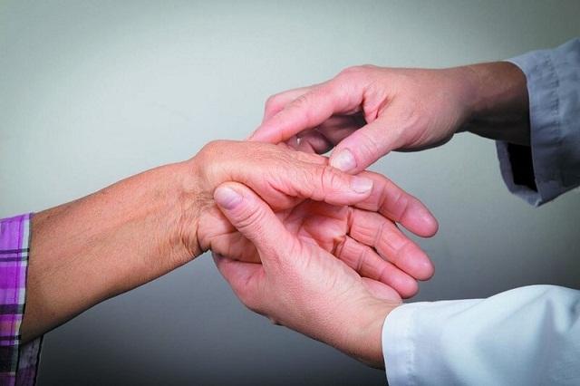 Viên xương khớp Vạn Khang hỗ trợ điều trị bệnh viêm đa khớp dạng thấp