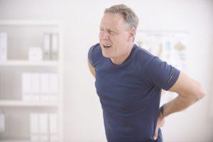 Triệu chứng thoái hóa cột sống thắt lưng thường gặp -2