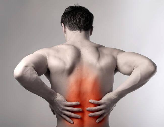 Người bệnh bị sưng tấy ở vùng lưng