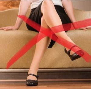Tác hại khôn lường của thói quen ngồi vắt chéo chân-1