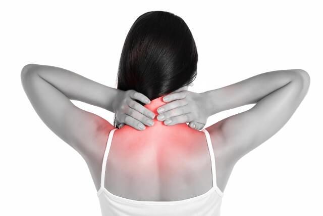 Cứng gáy, sưng cổ - Triệu chứng bệnh thoái hóa đốt sống cổ