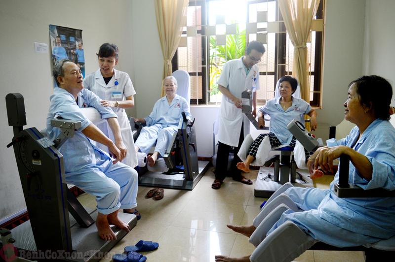 Điều trị bệnh đau nhức xương khớp bằng vật lý trị liệu