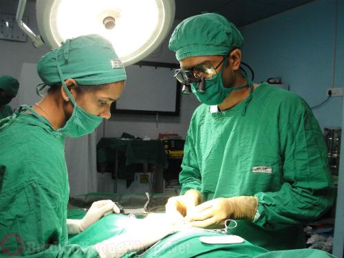 Phẫu thuật điều trị viêm khớp thiếu niên
