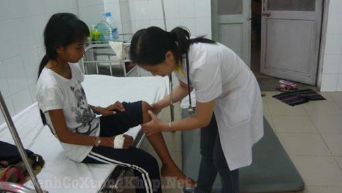 Bệnh viêm khớp thiếu niên
