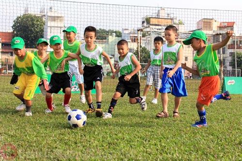 Duy trì thói quen sinh hoạt hằng ngày cho trẻ
