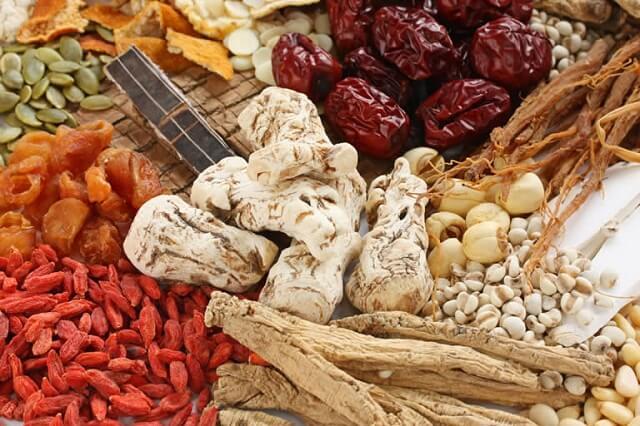 Bài thuốc Đông y chữa đau nhức xương khớp ở người già