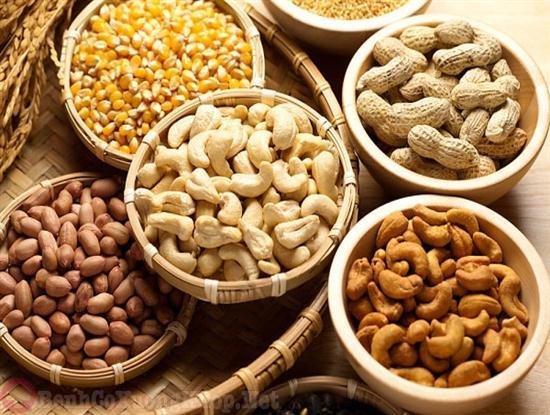 Thực phẩm giàu axit béo có lợi hỗ trợ chữa đau vai gáy