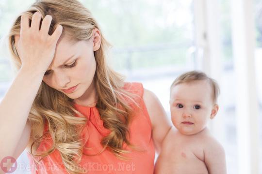 Đau dây thần kinh sau sinh các mẹ cần lưu ý