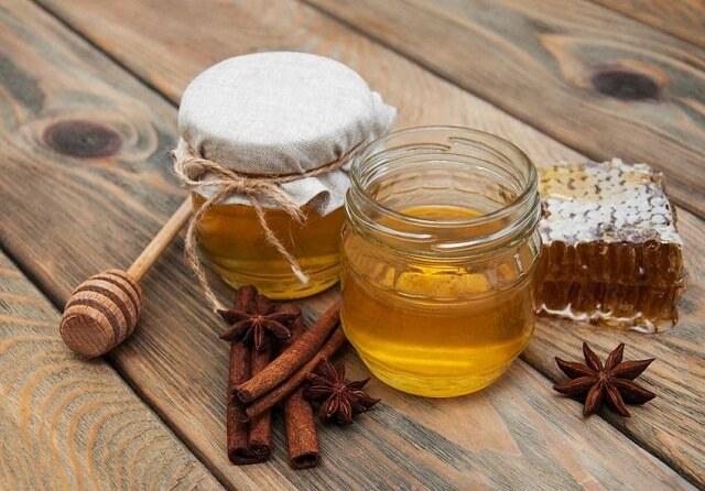 Cách chữa thoái hóa khớp bằng mật ong và quế