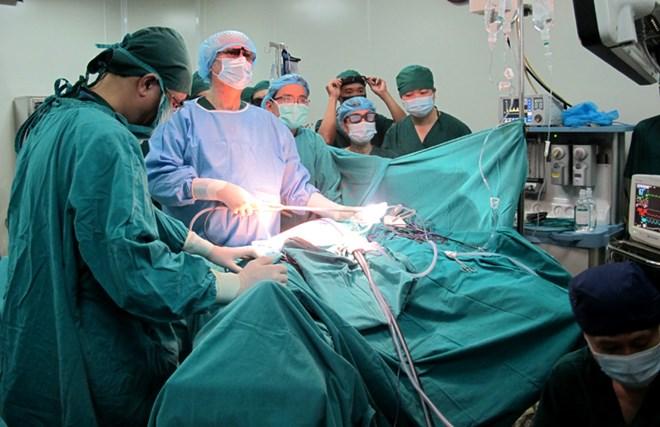 Phẫu thuật chữa bệnh đau dây thần kinh tọa