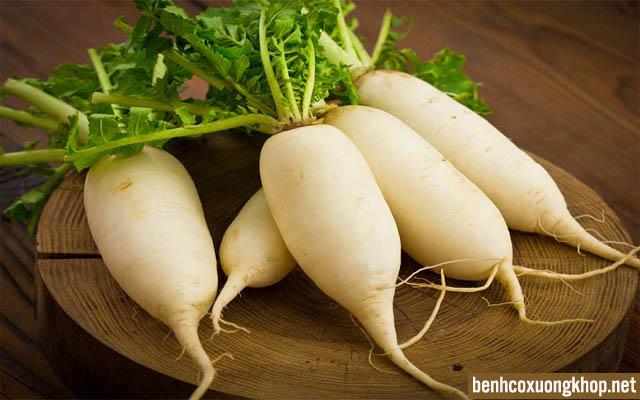 đau khớp gối không nên ăn củ cải trắng