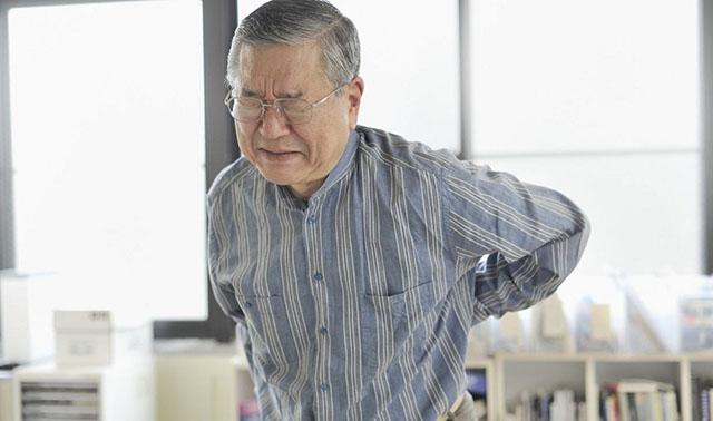 Đau thần kinh tọa ở người già