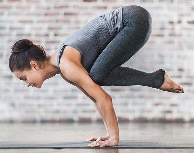 tâp yoga chữa đau thần kinh tọa